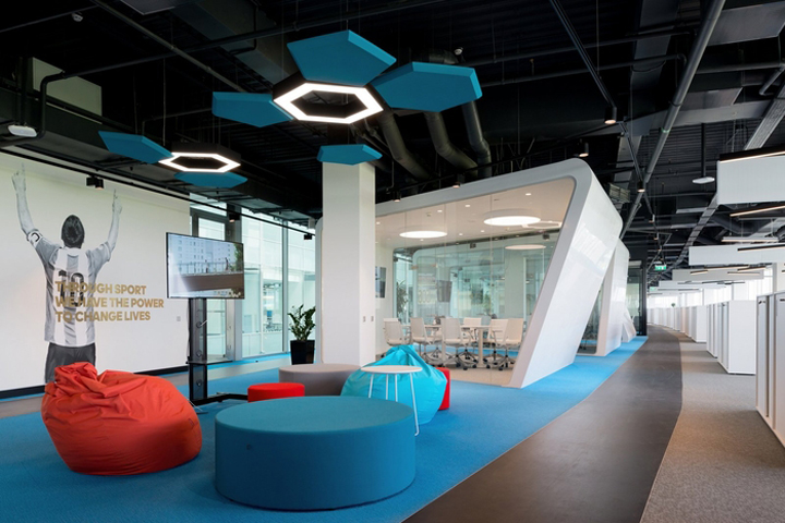 google moscow office pure. At The Same Office For A Vibrant Company As Of Adidas, Should Be Memorable, Dynamic And Encourage Staff Visitors To Change Lives People Google Moscow Pure